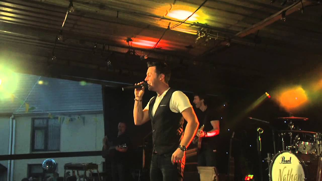 Nathan Carter Playing at Clonmany Festival